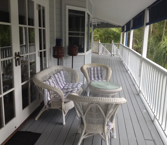 If you need to chill, chat and relax with me I can also offer an outdoor setting overlooking the gardens.